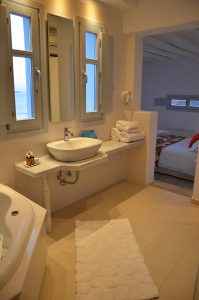 The San Marco Hotel Artemis maisonette Villa in Mykonos has an ensuite bathroom with Jacuzzi