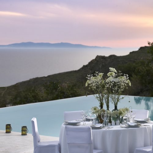 Enjoy your wedding and honeymoon in Houlakia, Mykonos at the San Marco Mykonos luxury Hotel.