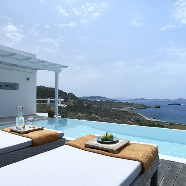 The San Marco luxury Mykonos hotel services & facilities include private pools and amazing views.